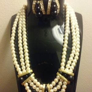 Beautiful Pearl Necklace Set Matching Earrings